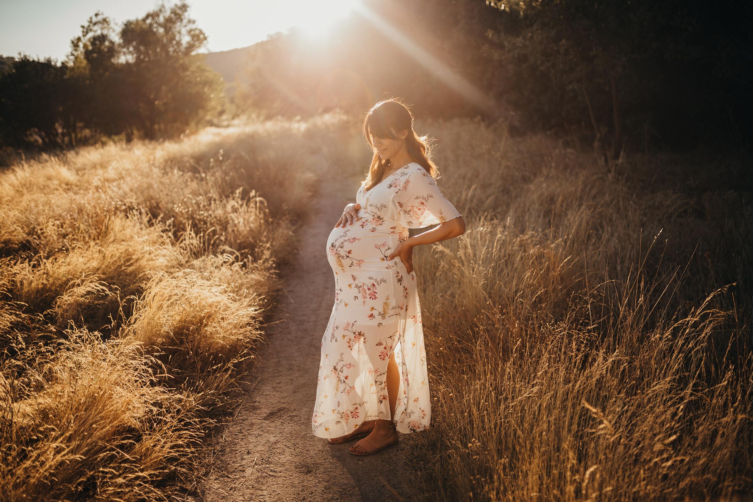 Sesión de fotos de embarazada en Navacerrada